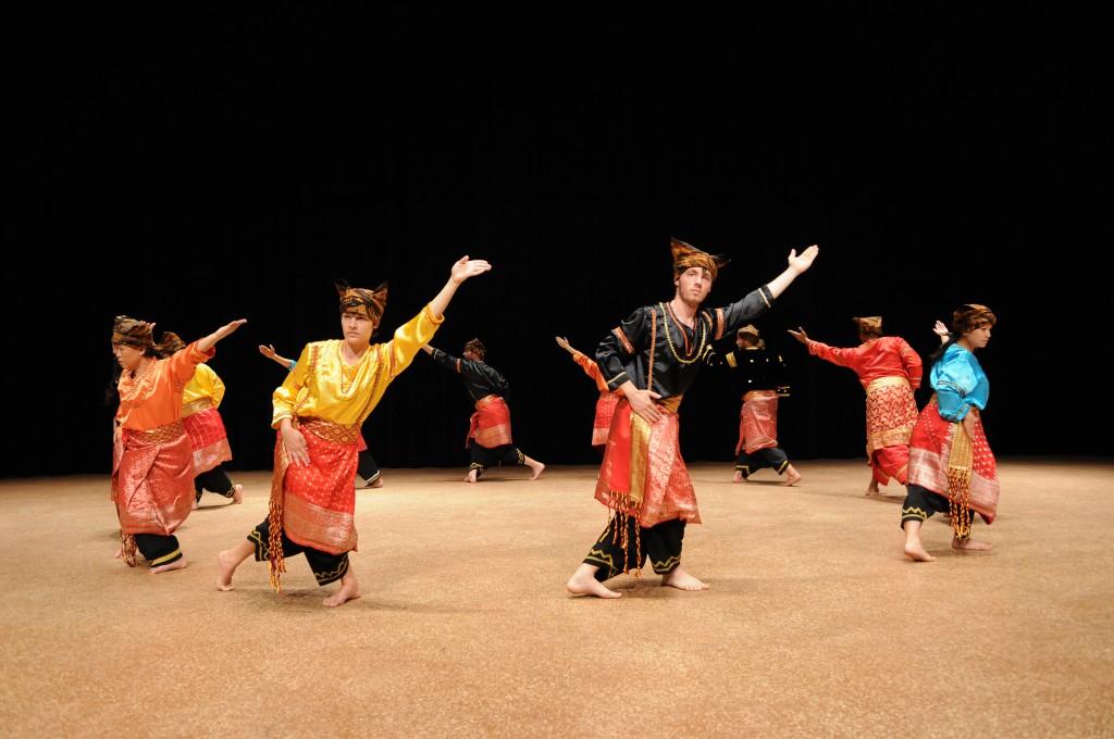 randai performers wide view, The Genteel Sabai (2012)