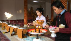 AwkPansa_Laos_Buddhism_640x320