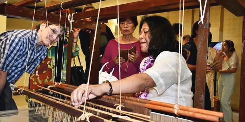 pina seda cloth exhibit