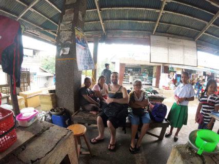 Female fish vendors in Quezon