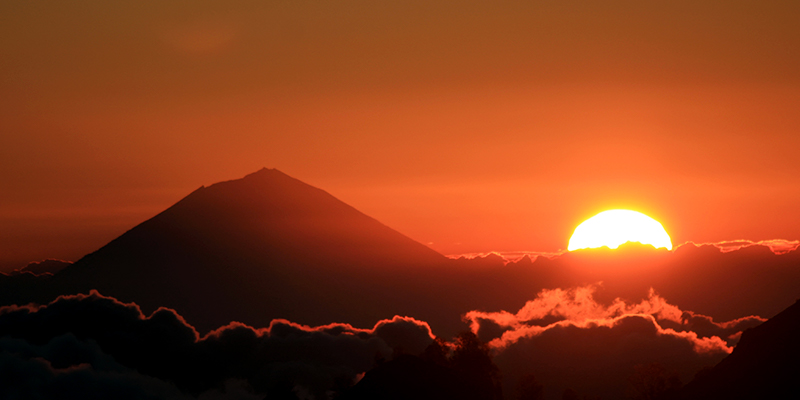 Mt Augung with rising/setting sun. Bali